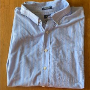 Arrow Shortsleeved Button down